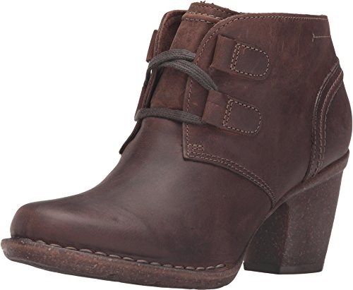 CLARKS Women's Carleta Lyon Boot Brown Oiled Nubuck 10 M US