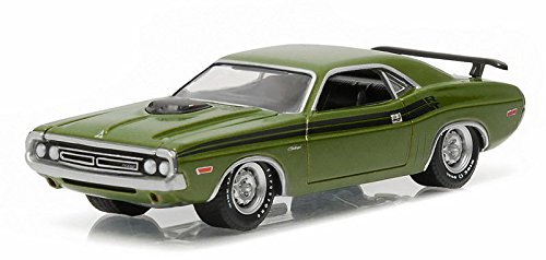 NEW 1:64 GREENLIGHT MUSCLE SERIES 16 COLLECTION - GREEN 1971 DODGE CHALLENGER HEMI R/T Diecast Model Car By Greenlight (1971 Dodge Challenger Diecast compare prices)