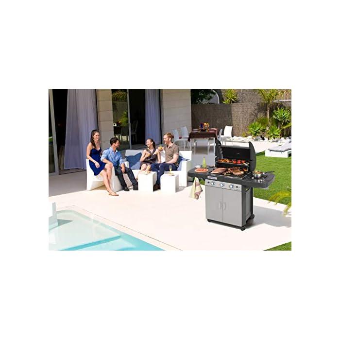 417XFUINLOL Alta calidad y potente: 3 quemadores de tubo de acero inoxidable de alto rendimiento (9.6kW) + 1 asador lateral (2.3kW); barbacoa con encendido piezo para un fácil encendido Opciones infinitas: parrilla y plancha grandes de hierro fundido con un mate esmaltado (61 x 45 cm), rejilla para calentar esmaltada; base para Sistema Culinario Modular Limpieza fácil: sistema InstaClean para una limpieza fácil y rápida de la barbacoa; el sistema permite extraer las partes aptas para el lavavajillas en menos de 60 segundos