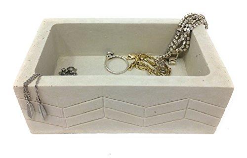 Rectangle Jewelry Dish. Cement. BIRCH CHEVRON by Urban Concrete Design