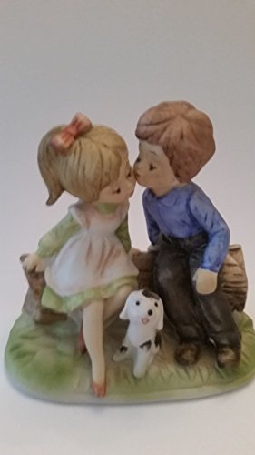 """5"""" Young love! Little boy and Little girl innocent kiss with happy little puppy figurine (Preowned)"""
