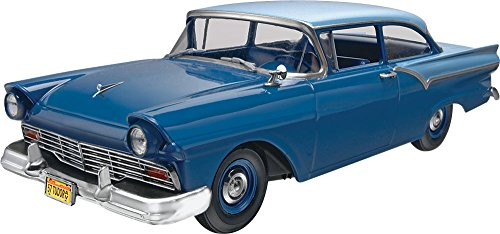 Model Custom Kit (Revell 1957 Ford Custom 2-in-1 Plastic Model Kit)