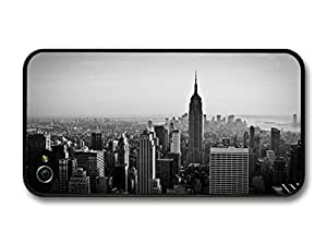 New York City Skyline Sky Scrapers and Buildings in Beautiful Black and White case for iPhone 4 4S