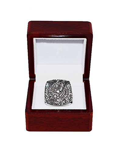 SAN ANTONIO SPURS (Tim Duncan) 2007 NBA FINALS WORLD CHAMPIONS Rare & Collectible High-Quality Replica NBA Basketball Silver Championship Ring with Cherrywood Display Box
