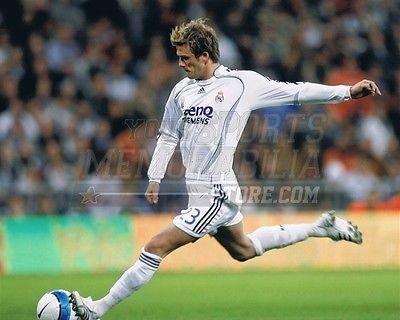 David Beckham Real Madrid soccer kick goal 8x10 11x14 16x20 photo 396 - Size 11x14