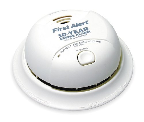 First Alert Smoke Alarm, 9V 10Year Lithium Battery Powered w/ Silence Button (2 (Dual Powered Smoke Alarm)