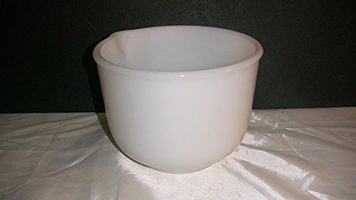 - Vintage Sunbeam Glasbake Mixing Bowl White 20 CJ