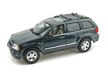 Maisto 1:18 Scale Metallic Deep Green 2005 Jeep Grand Cherokee