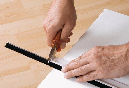 1 m x 37 mm TESA 05433-00102-00 Barra bajo puerta de PVC cepillo para suelos lisos transparente No No aplica