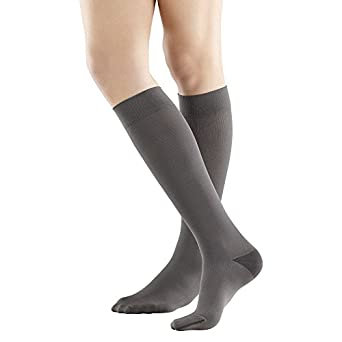1e0d6b4f027 Amazon.com  Bauerfeind VenoTrain Business Compression Socks  Industrial    Scientific