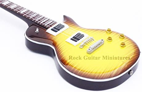 RGM212 Slash Guns N Roses Gibson Guitarra en miniatura: Amazon.es ...