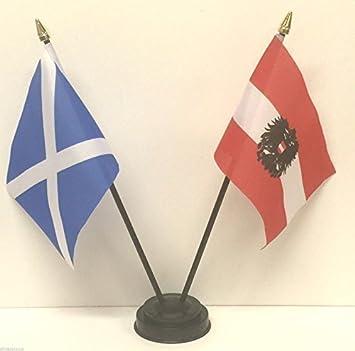 Scotland /& New Zealand Double Friendship Table Flags /& Badge Set