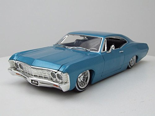 Jada 98935 1967 Chevrolet Impala Blue Lowrider Series Street Low 1/24 Diecast Model Car ()