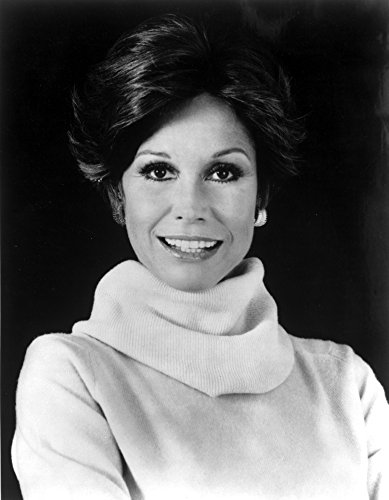 A Portrait Of Mary Tyler Moore Photo Print (8 x ()