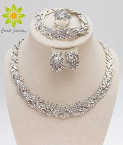[Free Shipping 2016 Leaves Shape Silver Plated Clear Crystal Jewelry Set New Fashion Wedding Bridal African Costume Jewelry] (Costumes Jewelry Prices)