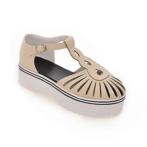 AllhqFashion Women's Buckle Closed Toe Kitten Heels PU Solid Sandals apricot HTmFfs