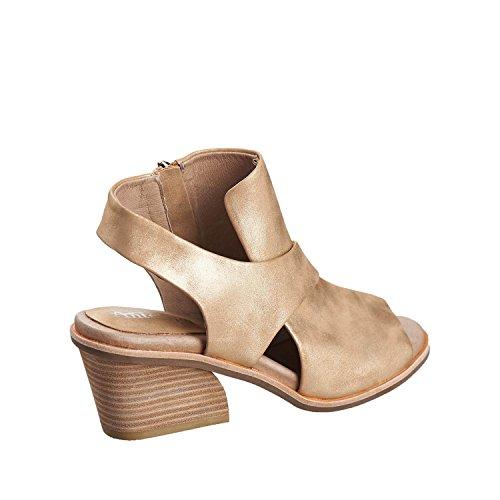 Antilop Kvinna 520 Metalliska Crossover Läder Wrap Sandaler Guld