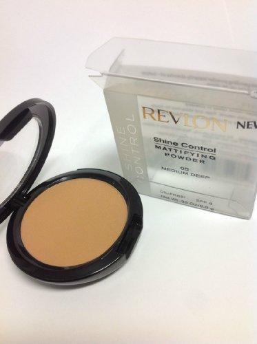 (Revlon Shine Control Mattifying Powder SPF 8, Medium, 0.35 oz)