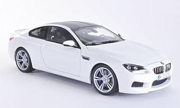 Charmant BMW M6 (F13), White/Carbon, 2012, Model Car, Ready