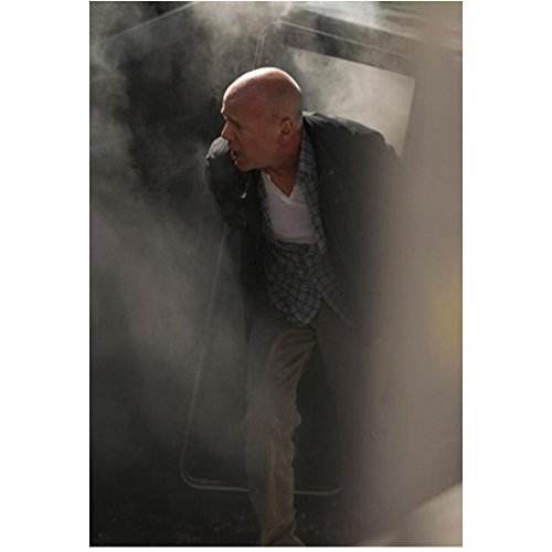 A Good Day to Die Hard 8x10 Photo Bruce Willis Bending Forward Smokey kn (A Good Day To Die Hard Actress)