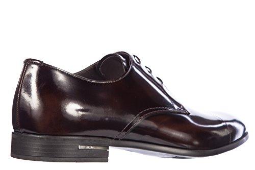 ... Prada chaussures à lacets classiques homme en cuir derby spazzolato  fume marron ... d5d988cd3fa