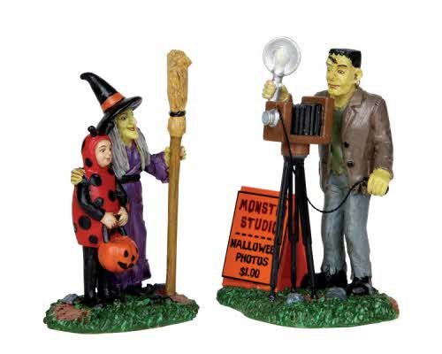 (Lemax 12881 HALLOWEEN PHOTOS SPOOKY TOWN Figure Set 2 Figurines Decor Witch)