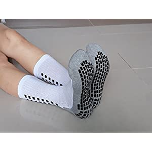 Deluxe Anti Skid Non Slip Slipper Hospital Maternity Socks with grips for Adults Men Women (Shoe Size : 6-9, 3 pairs-assorted)