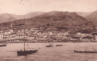 - G2420 Portugal, Madeira Funchal View Postcard
