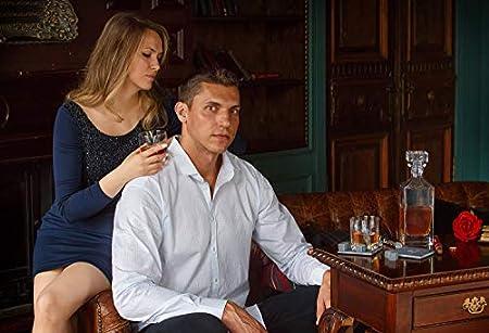 Juego de decantador de whisky, regalo de cumpleaños de Husband Artisan Crafted Chilling Rocks Stones Scotch Bourbon Glasses and Slate Table Coasters – Regalo para hombre