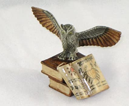 Amazoncom Owl Wwings Open On 2 Stacked Books 1 Open Crab Book