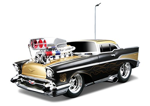 Maisto R/C 1:18 Scale Muscle Machines Garage 1957 Chevrolet Bel Air Radio Control Vehicle (Colors May (Muscle Machines Rc)