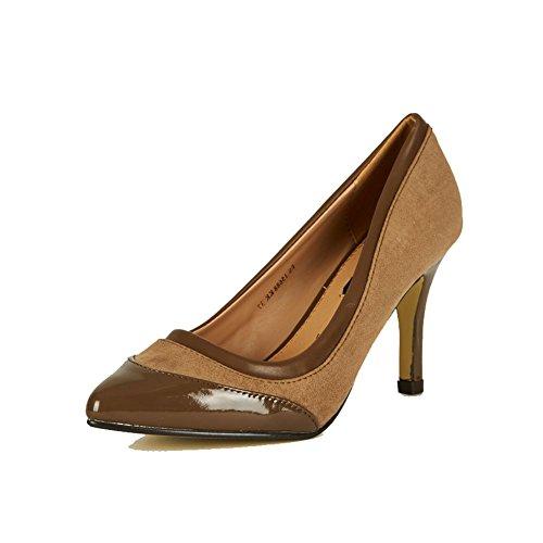 Zapatos de tacón punta estrecha de las mujeres con puntera de patentes y de cuero interno Brown