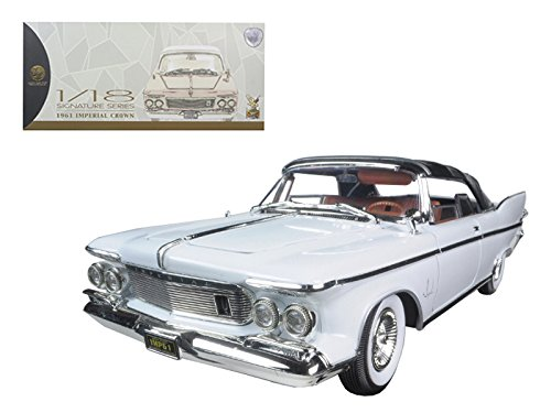 Maisto 1961 Chrysler Imperial Crown White with Brown Interior 1/18 Model Car by Road Signature ()