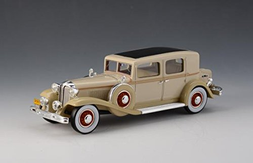 al CG Club Sedan Model Car by GLM in 1:43 Scale ()