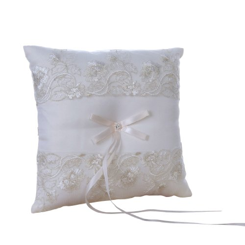 Remedios Ivory Lace Wedding Pillow