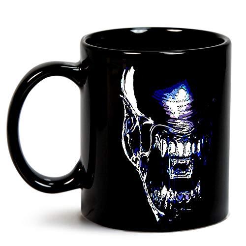 xenomorph Mug]()