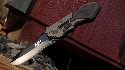 Smith & Wesson SWMP4LS M&P Linerlock Knife Review 4