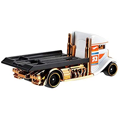 Hot Wheels 2020 Pearl and Chrome 3/6 - Fast Bed Hauler (White): Toys & Games