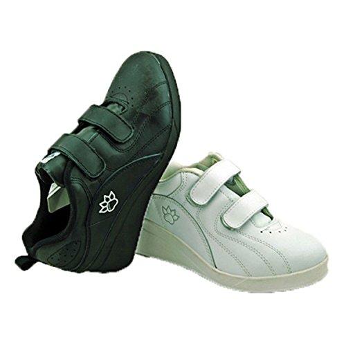 Les chaussures de sport avec velcro coin Kelme en blanc