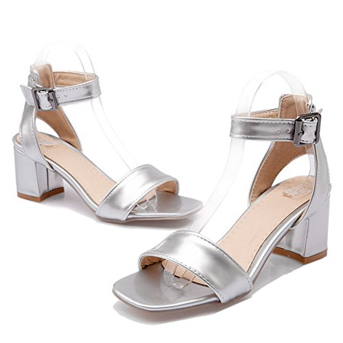 AmoonyFashion Womens Open Toe Kitten Heels Patent Leather Solid Buckle Sandals Silver aJnrRg