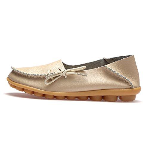 BTDREAM Damen Leder Slip-On Loafers Mokassins beiläufige flache treibende Bootsschuhe mit Memory-Foam-Einlegesohle 002-beige