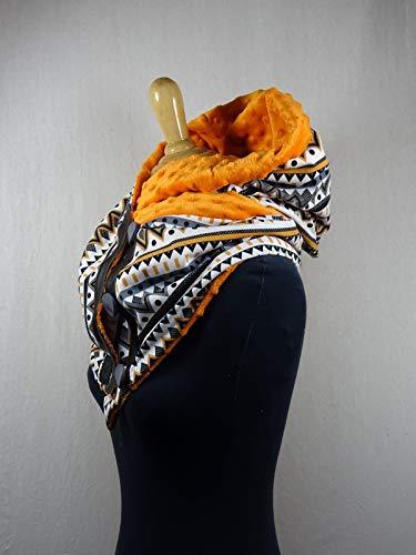Écharpe à capuche motif géométrique orange et gris doublé minky doudou 1622217cc2d