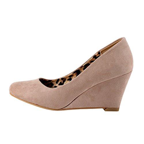 Bella Marie Womens Nine-5 Classic Almond Toe Mid Wedge Pump Slip On Shoes
