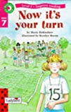 img - for Now it's Your Turn (Read with Ladybird) (English and Spanish Edition) book / textbook / text book