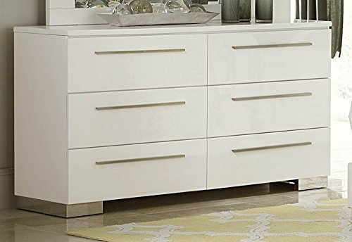 Ivory Lacquer Finish - Linnea Dresser In White High Gloss Finish