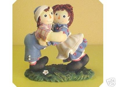 Raggedy Ann and Andy - Heartfelt Hugs Make Happy Friends