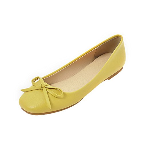 Yellow WeenFashion Closed Court Solid Shoes Low Women's Pull Toe On Heels PU 6OwA6Zqr