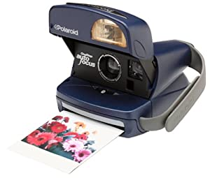 Amazon.com : Polaroid One-Step Auto Focus Instant Camera Kit ...