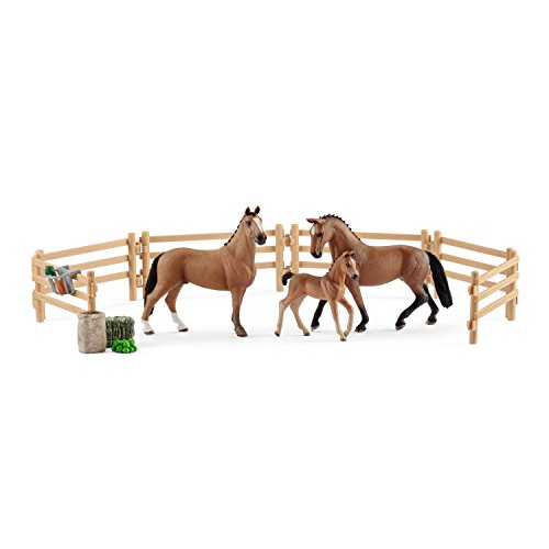 Schleich Horse Club Hanoverian Family in The Pasture Toy (Schleich North America Horse Club Riding Center)