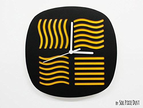 The Fifth Element Minimalist Film Silhouette - Wall Clock
